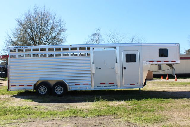 2020 Featherlite 8413 - STOCK COMBO 24' LIVESTOCK COMBO WITH 4' TACK CONROE, TX 24