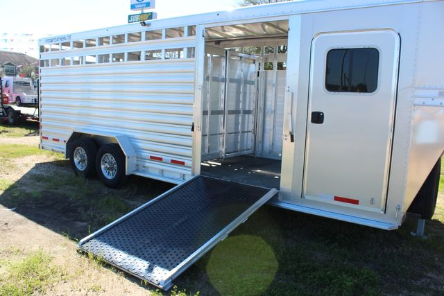 2020 Featherlite 8413 - STOCK COMBO 24' LIVESTOCK COMBO WITH 4' TACK CONROE, TX 26