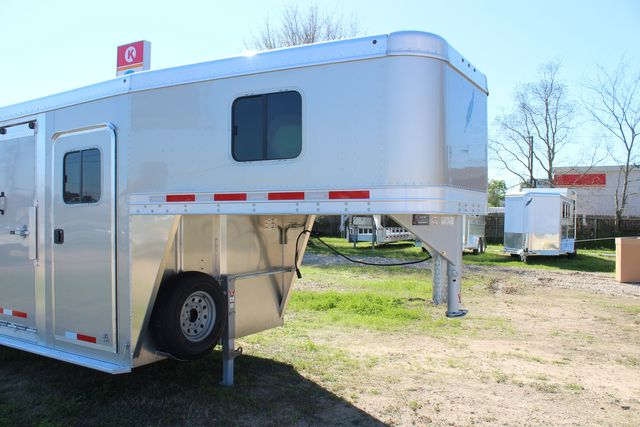 2020 Featherlite 8413 - STOCK COMBO 24' LIVESTOCK COMBO WITH 4' TACK CONROE, TX 3