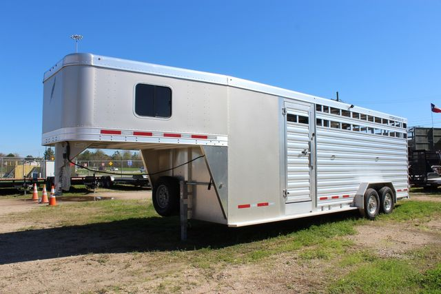 2020 Featherlite 8413 - STOCK COMBO 24' LIVESTOCK COMBO WITH 4' TACK CONROE, TX 8