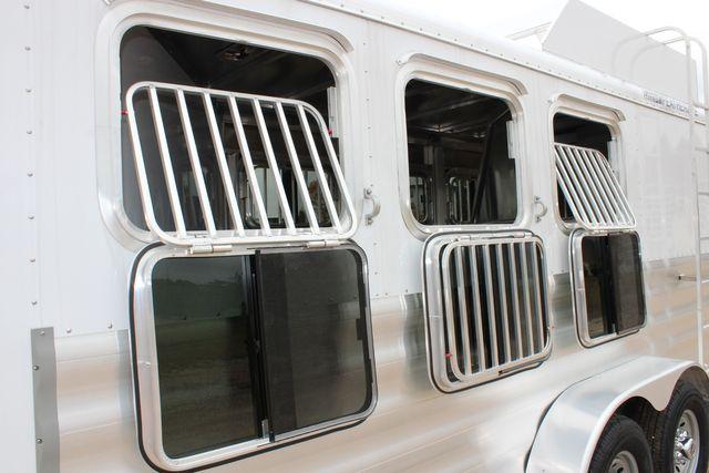 2020 Featherlite 9409 - 3 HORSE 3 HORSE - DRAG - HAY RACK - DROP DOORS ON HIP CONROE, TX 27