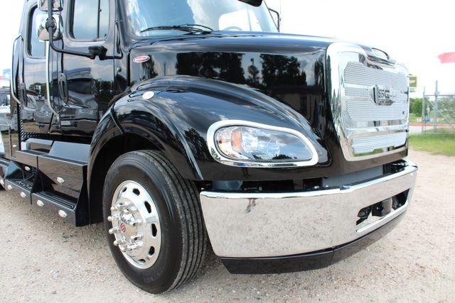 2020 Freightliner M2 112 SportChassis RHA Luxury Ranch Hauler DD13 CONROE, TX 3