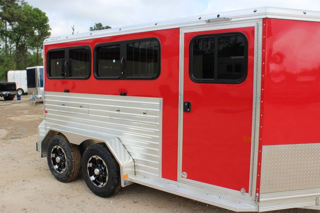 2020 Frontier LOW PRO SHOW 4 PEN 4 ADJ PEN SYSTEM, REAR RAMP, LINED/ INSULATED ROOF CONROE, TX 1