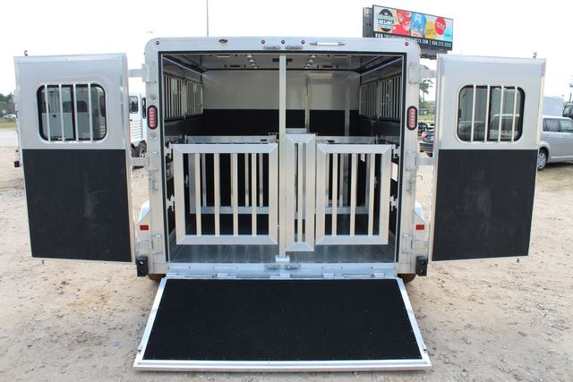 2020 Frontier LOW PRO SHOW 4 PEN 4 ADJ PEN SYSTEM, REAR RAMP, LINED/ INSULATED ROOF CONROE, TX 13