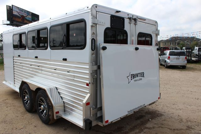 2020 Frontier LOW PRO SHOW 6 pen Livestock show trailer with adjustable pen system+ CONROE, TX 17