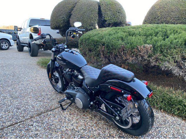 2020 Harley-Davidson Street Bob FXBB in McKinney, TX 75070