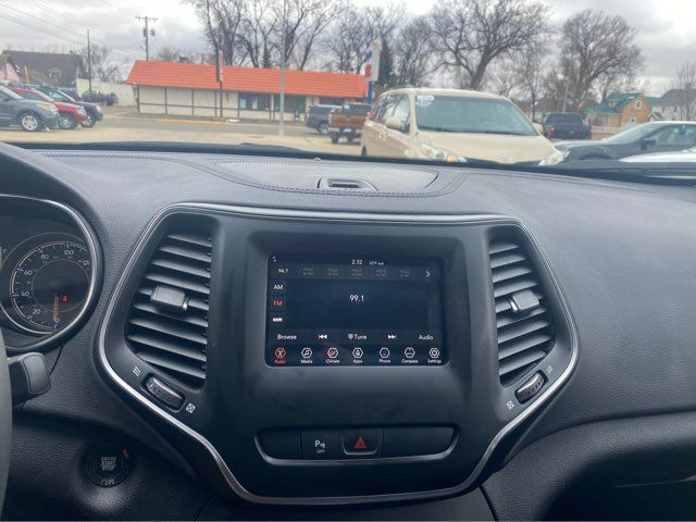 2020 Jeep Cherokee Latitude Plus in Dickinson, ND 58601