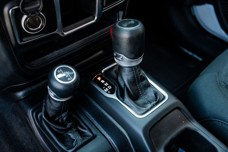 2020 Jeep Wrangler 2.0L 4-CYL TURBO SPORT SOFT TOP 4WD 1-OWNER in Rowlett, Texas