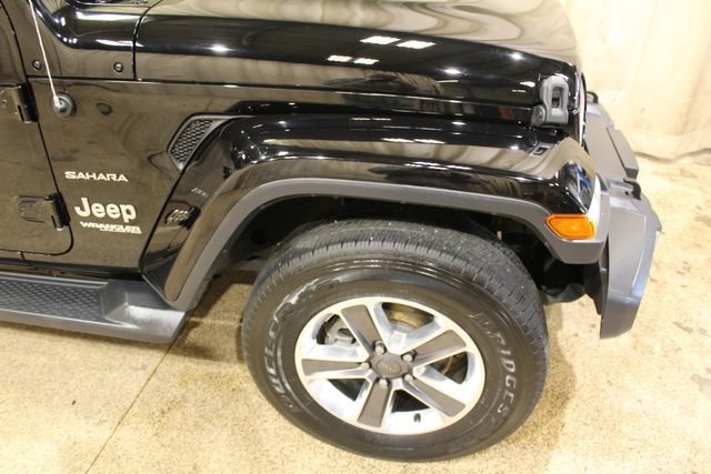2020 Jeep Wrangler Unlimited 4x4 Sahara in Roscoe, IL 61073