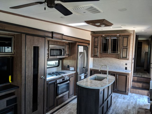 2020 Kz Durango D333RLT Mandan, North Dakota 6