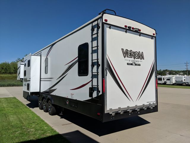 2020 Kz Venom V-Series V3815TK Mandan, North Dakota 1