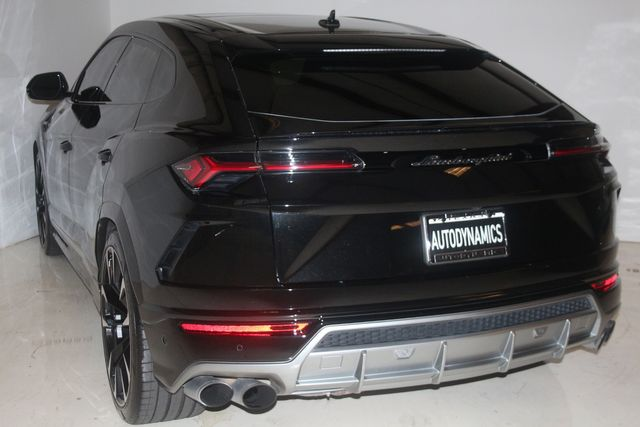 2020 Lamborghini Urus Houston, Texas 16