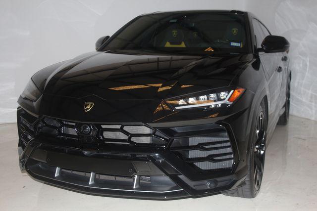2020 Lamborghini Urus Houston, Texas 3