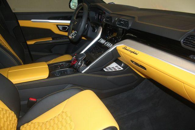 2020 Lamborghini Urus Houston, Texas 37