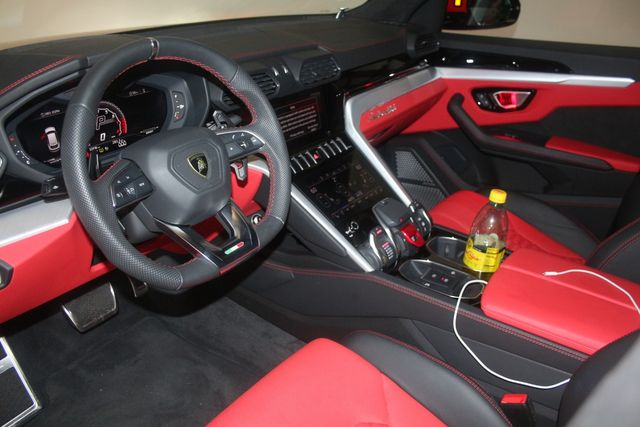 2020 Lamborghini Urus Houston, Texas 22