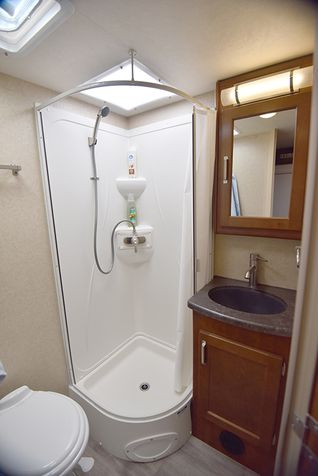 1995 Lance 2020 Travel Trailer 19'2