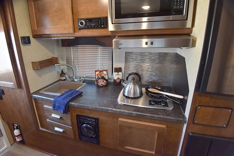 825 Lance 2020 Truck Camper 6'+ Short Bed - Coming Soon!  in Livermore, California