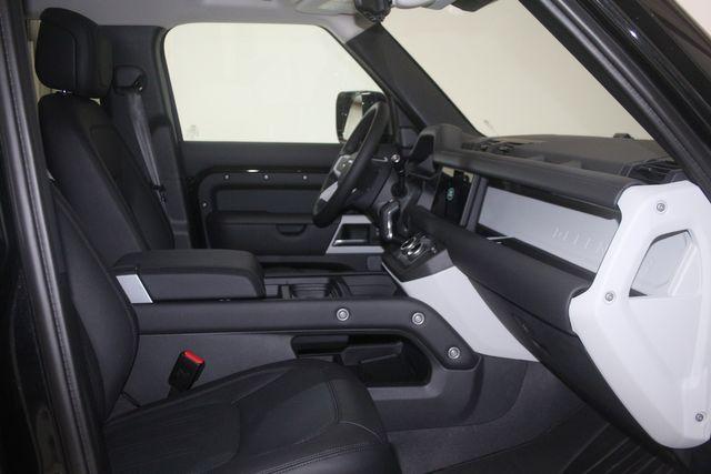 2020 Land Rover Defender HSE 110 Houston, Texas 34