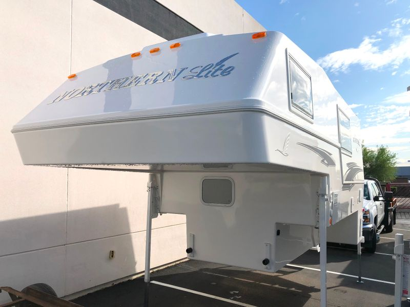 2020 Northern Lite 10-2EXCDLE Limited Edition Wet Bath  in Avondale, AZ