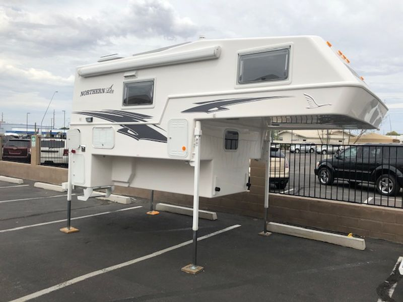 2020 Northern Lite 8.11  in Mesa, AZ