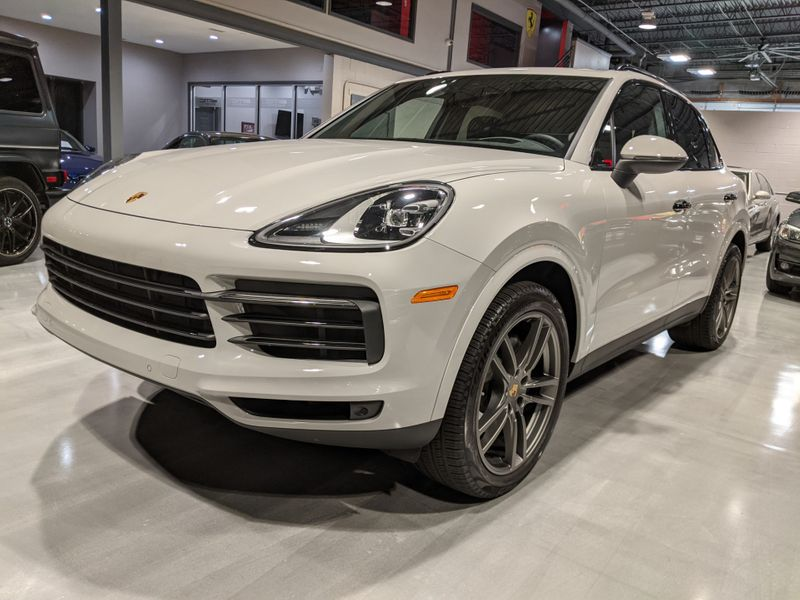 2020 Porsche Cayenne   Lake Forest IL  Executive Motor Carz  in Lake Forest, IL