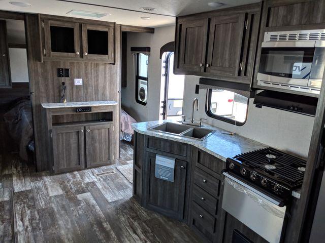 2020 Starcraft Autumn Ridge 26BHS Mandan, North Dakota 4