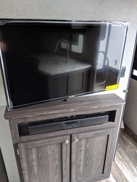 2020 Starcraft Mossy Oak Ultra Lite 261BH Mandan, North Dakota 7