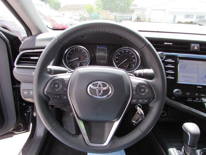 2020 Toyota Camry SE $20,500