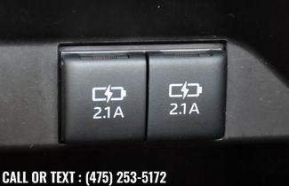 2020 Toyota Camry XSE Waterbury, Connecticut 32
