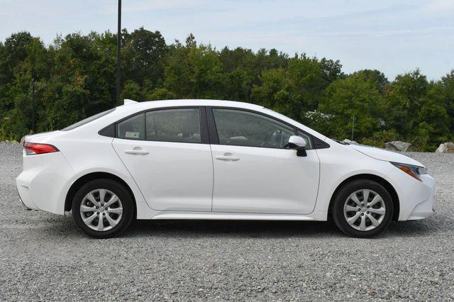 2020 Toyota Corolla LE Naugatuck, Connecticut 5