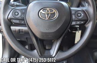 2020 Toyota Corolla LE Waterbury, Connecticut 18