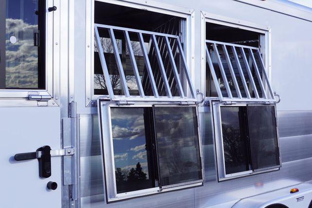 2020 Twister 3 Horse W/ Drop Down Windows in Fort Worth, TX 76111