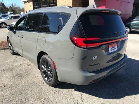 2021 Chrysler Pacifica Touring | Huntsville, Alabama | Landers Mclarty DCJ & Subaru in Huntsville, Alabama