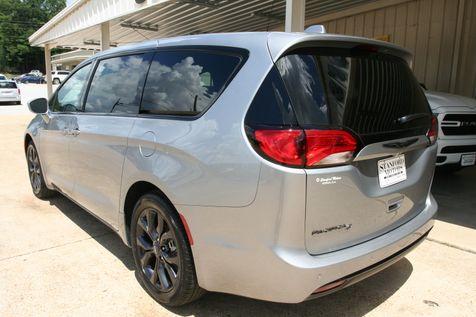 2021 Chrysler Pacifica Touring in Vernon, Alabama