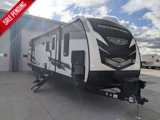 2021 Cruiser Rv RADIANCE ULTRA-LITE R-30DS in Mandan, North Dakota 58554