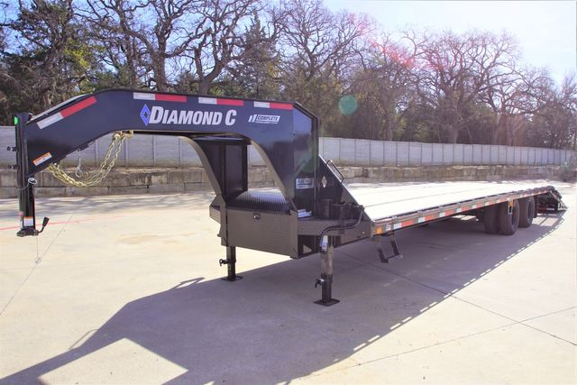 2021 Diamond C 32' FMAX212 HD TANDEM DUAL GOOSENECK TRAILER in Keller, TX 76111