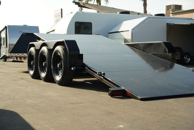 2021 Diamond C HDT 8.5 X 25' TRIPLE AXLE TILT in Keller, TX 76111
