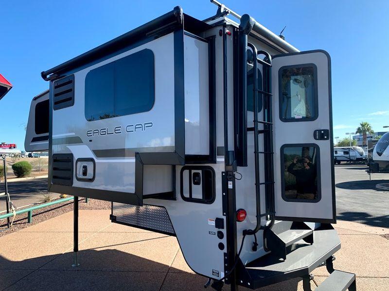2021 Eagle Cap 811   in Avondale, AZ