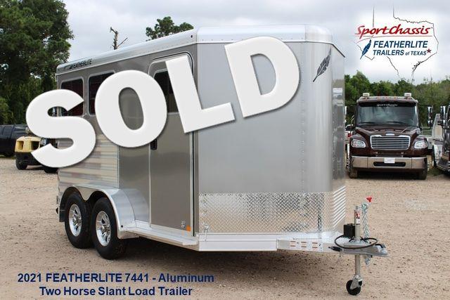 2021 Featherlite 7441 - 2H Slant Two Horse slant load bumper pull aluminum trailer CONROE, TX 0