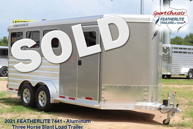 2021 Featherlite 7441 - 3 HORSE SLANT Three Horse Slant CONROE, TX 0