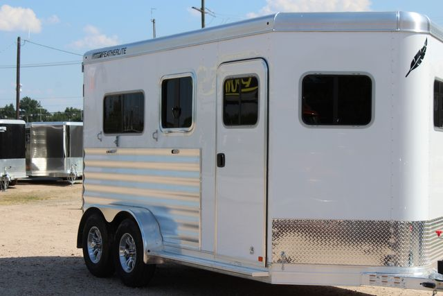 2021 Featherlite 7442 - 2H STRAIGHT Straight load 2 horse with walk-thru, mangers & DR CONROE, TX 1