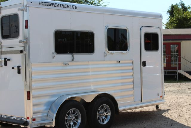 2021 Featherlite 7442 - 2H STRAIGHT Straight load 2 horse with walk-thru, mangers & DR CONROE, TX 22