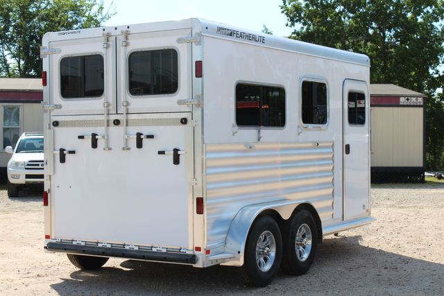 2021 Featherlite 7442 - 2H STRAIGHT Straight load 2 horse with walk-thru, mangers & DR CONROE, TX 23