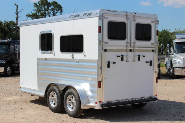 2021 Featherlite 7442 - 2H STRAIGHT Straight load 2 horse with walk-thru, mangers & DR CONROE, TX 8