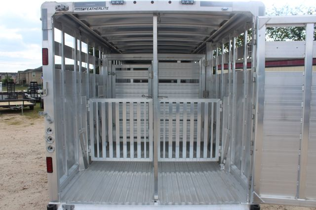 2021 Featherlite 8127 - LIVESTOCK 24' LIVESTOCK SHOW TRAILER WITH PEN SYSTEM RAMPS CONROE, TX 16