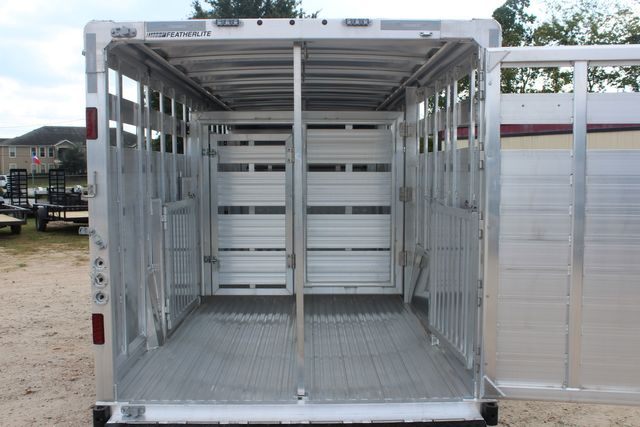 2021 Featherlite 8127 - LIVESTOCK 24' LIVESTOCK SHOW TRAILER WITH PEN SYSTEM RAMPS CONROE, TX 17