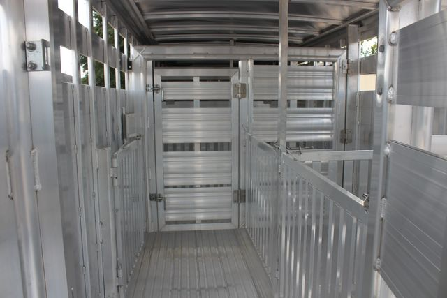 2021 Featherlite 8127 - LIVESTOCK 24' LIVESTOCK SHOW TRAILER WITH PEN SYSTEM RAMPS CONROE, TX 22