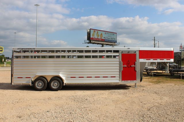 2021 Featherlite 8127 - LIVESTOCK 24' LIVESTOCK SHOW TRAILER WITH PEN SYSTEM RAMPS CONROE, TX 29