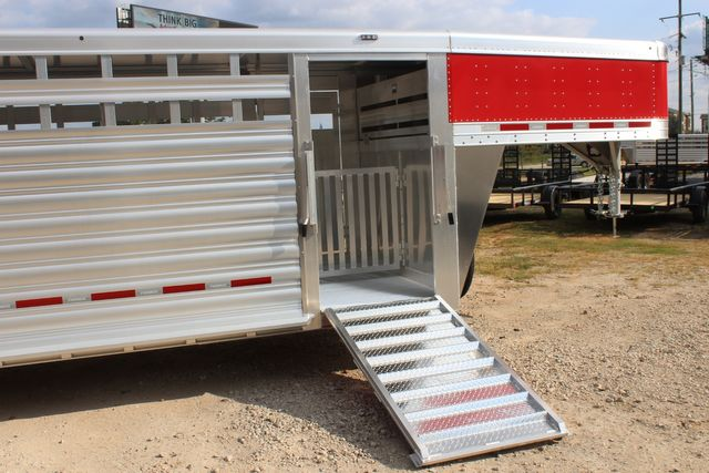 2021 Featherlite 8127 - LIVESTOCK 24' LIVESTOCK SHOW TRAILER WITH PEN SYSTEM RAMPS CONROE, TX 30