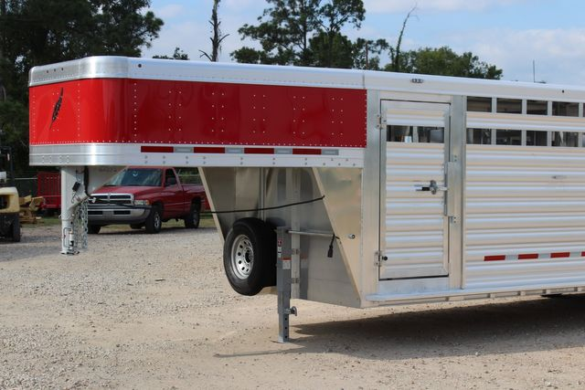 2021 Featherlite 8127 - LIVESTOCK 24' LIVESTOCK SHOW TRAILER WITH PEN SYSTEM RAMPS CONROE, TX 4
